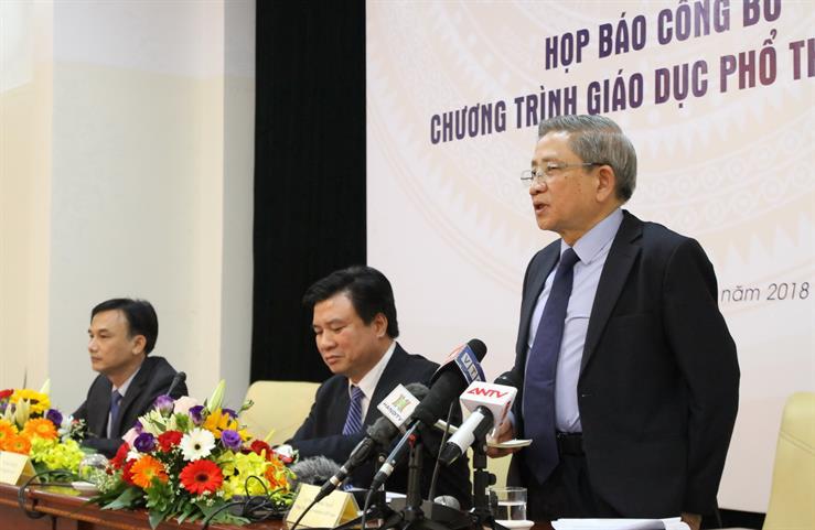 GS Nguyễn Minh Thuyết, Tổng Chủ biên chương trình GDPT mới trả lời báo chí